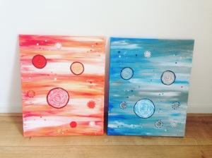 schilderij blauwe bollen in rood/wit/oranje